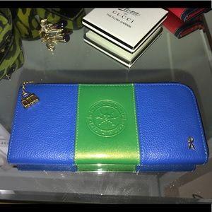New Roberta di Camerino continental zip wallet